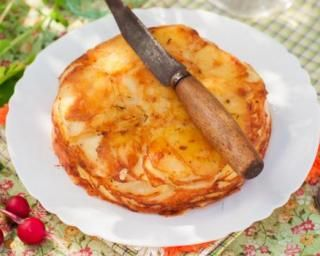Gâteau invisible et salé aux pommes de terre et au gruyère râpé allégé : http://www.fourchette-et-bikini.fr/recettes/recettes-minceur/gateau-invisible-et-sale-aux-pommes-de-terre-et-au-gruyere-rape-allege