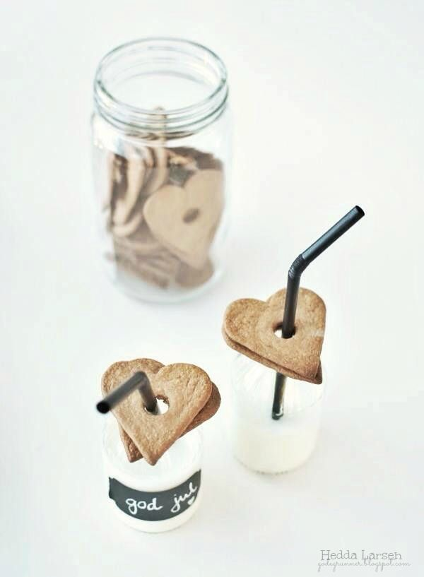 ♥ Cut out sugar cookies into heart shape and hole in the middle. Over the straw for easy dip milk n cookies