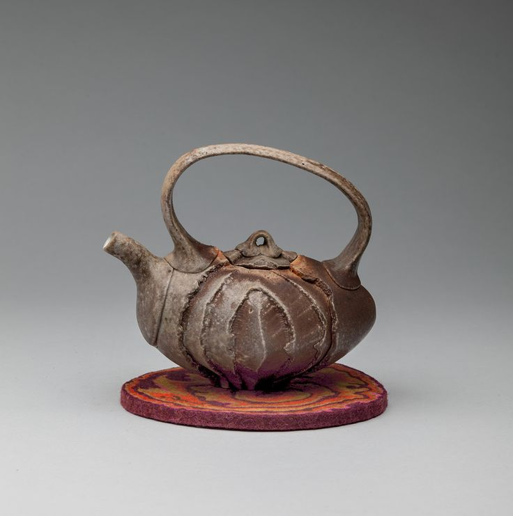 Tea Pot – Owen Nelson / Ceramics