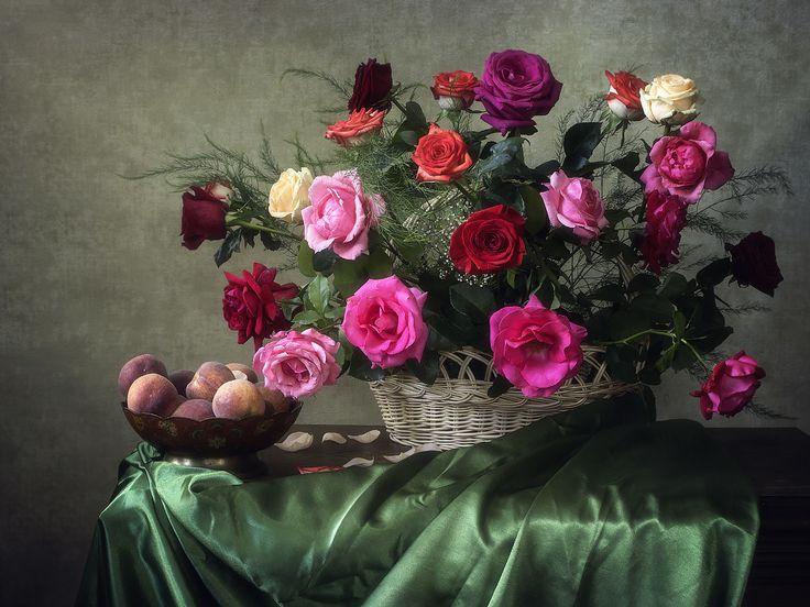 """летний классический натюрморт  """"Натюрморт с розами и персиками"""" / Irina Prikhodko"""