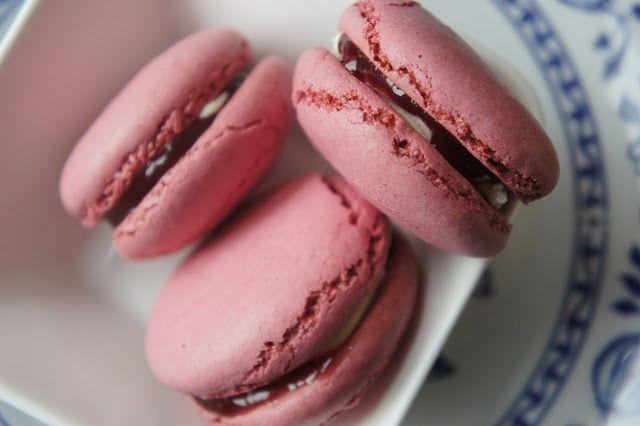 7 best macarons rezepte images on pinterest macaroons cake pop and kitchens. Black Bedroom Furniture Sets. Home Design Ideas