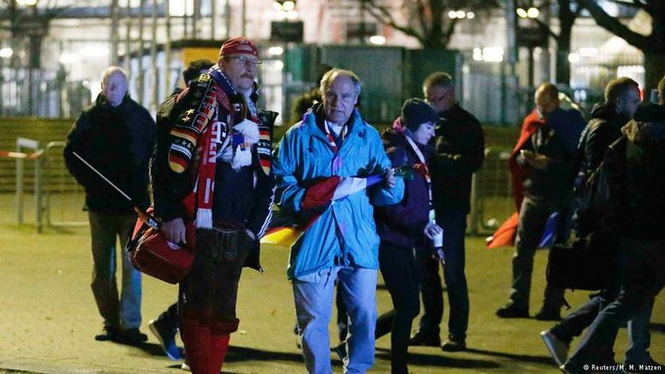 Wegen einer Bombendrohung ist das Fußball-Länderspiel zwischen Deutschland und den Niederlanden abgesagt worden. Das Stadion wurde evakuiert. Die Ereignisse in Hannover im Stenogramm.