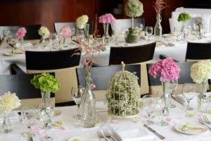 Preparativos para una boda sencilla, elegante y divertida