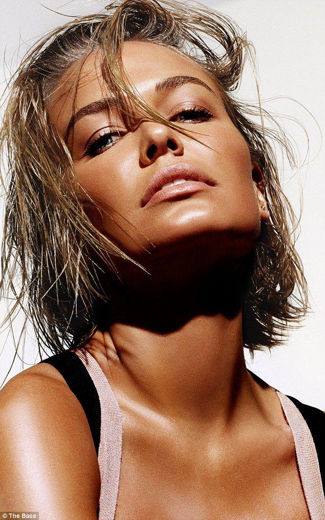 Lara Bingle - For 'The Base by Lara Bingle'. (November 2014)