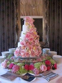 wedding cake: Royal