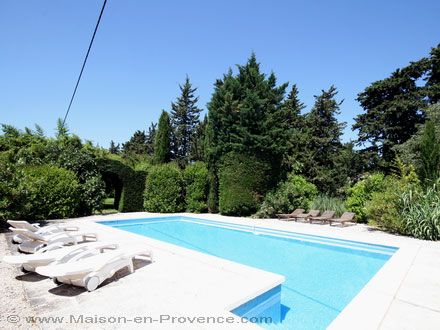 The swimming pool of the holiday rental Mas at L'Isle-sur-la-Sorgue ,Vaucluse - photo 10760 Credits Maison en Provence (TM)