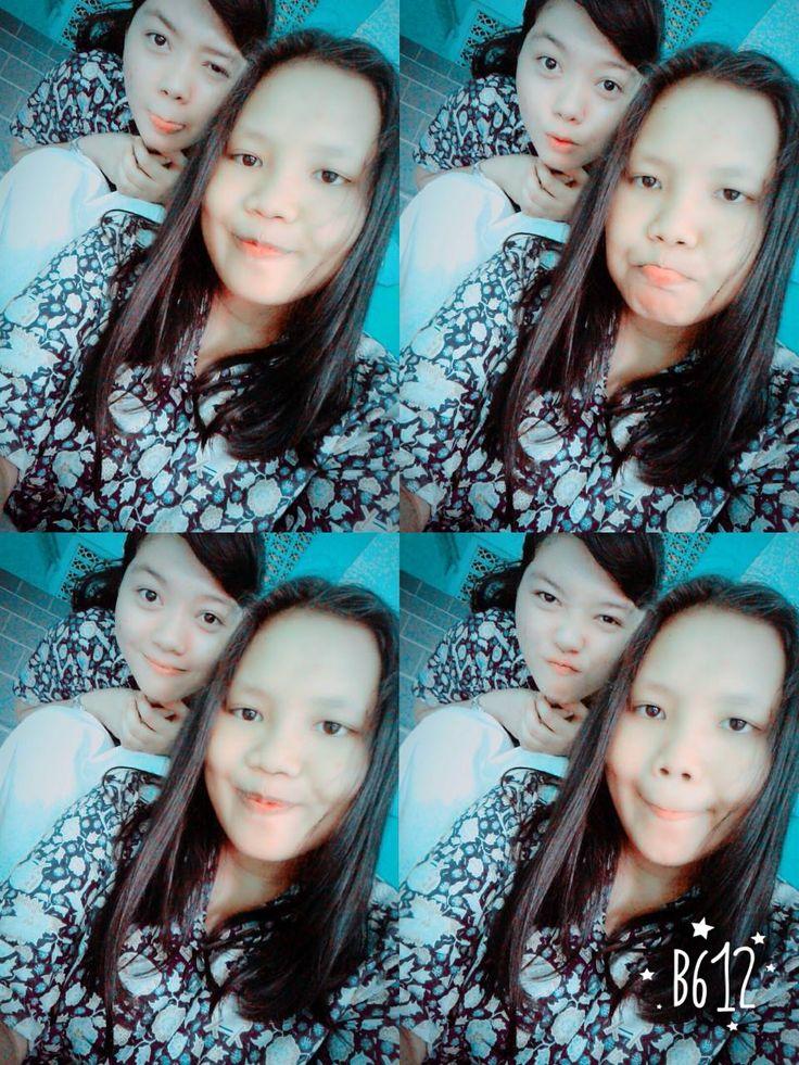 sahabat itu orang yang selalu ada buat kita mau susah atau seneng   with my lovely  #best#friends