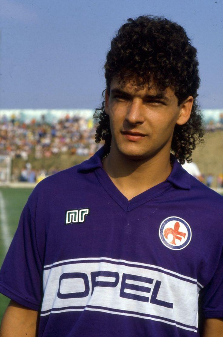On ne peut pas parler football sans parler coupes de cheveux;-) Roberto Baggio (Fiorentina) #football #soccer