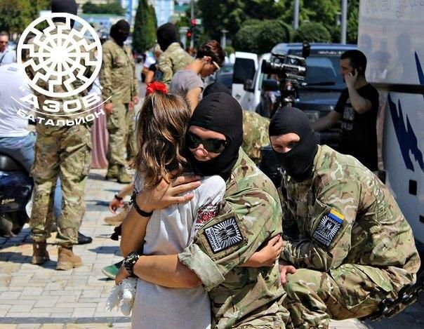 An Azov Battalion fighter says goodbye before departing to the front #Ukraine