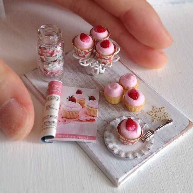 Sweet Miniature pastries!                                                                                                                                                                                 Mais