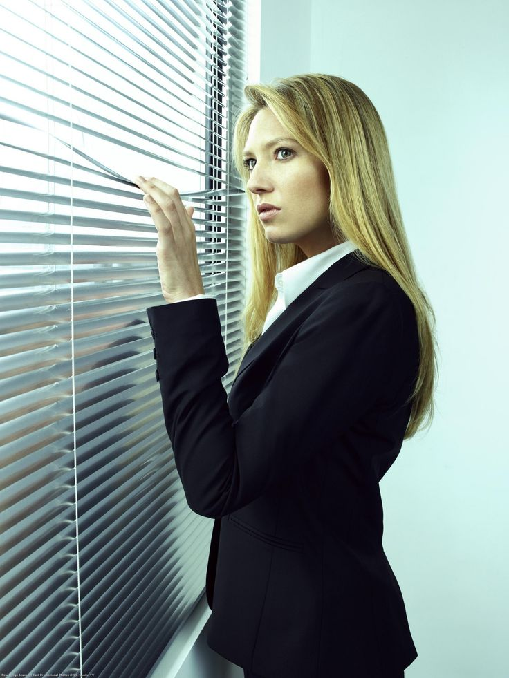 Anna Torv as Olivia Dunham from Fringe. Anna is really hot. I love the accent.