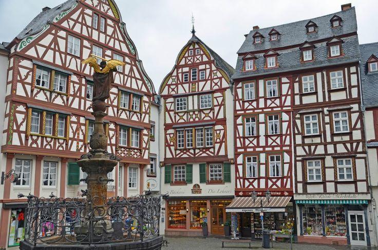 German Wine Towns to Love: Bernkastel-Kues, Germany #travel #europe #germany