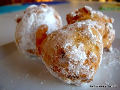The Dutch Baker's Daughter: Oliebollen--A New Year's Eve Tradition