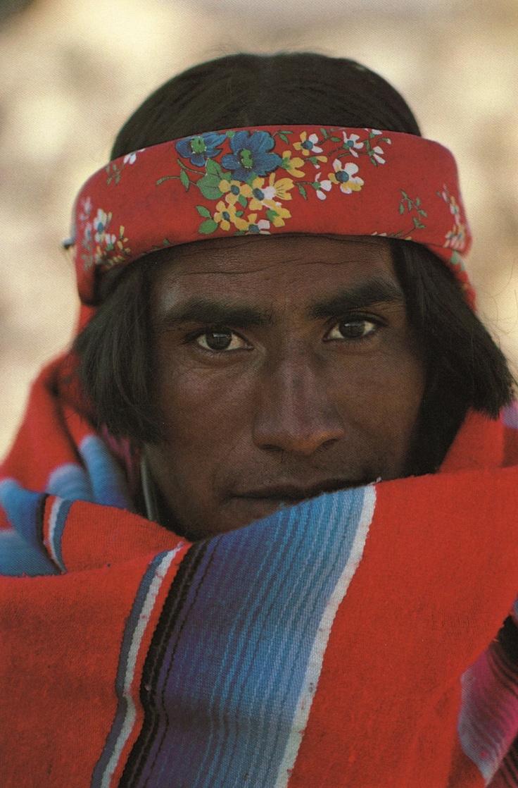 Indio Tarahumara, fotografía de John Running y Martin Melkonian