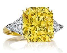 Cellini Jewelers 8.18 carat Fancy Vivid Yellow Radiant-Cut Diamond Ring