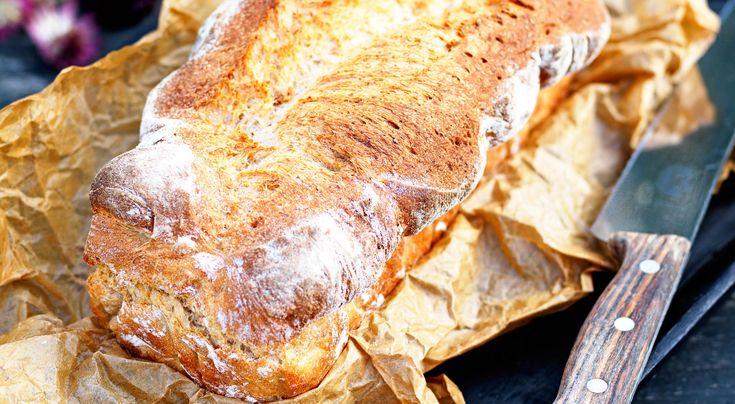 Recept på dinkelbröd i form. Lättbakat och luftigt bröd som bakas i form. Kan bakas i förväg och frysas. Gott att rosta.