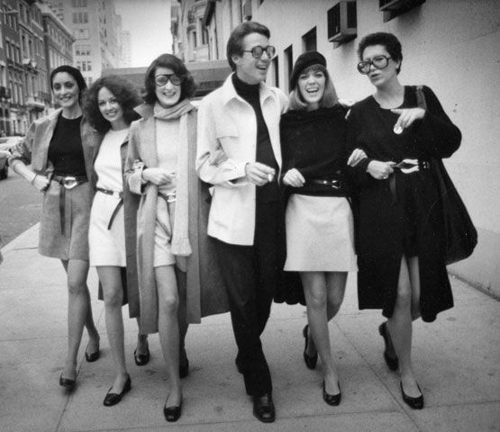 Halston, Elsa, and a bevy of muses wearing Peretti's equestrian belt