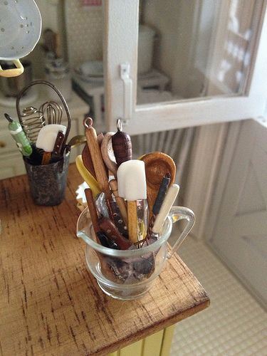 wonderful little white spatula made by Diane Paone 1:12