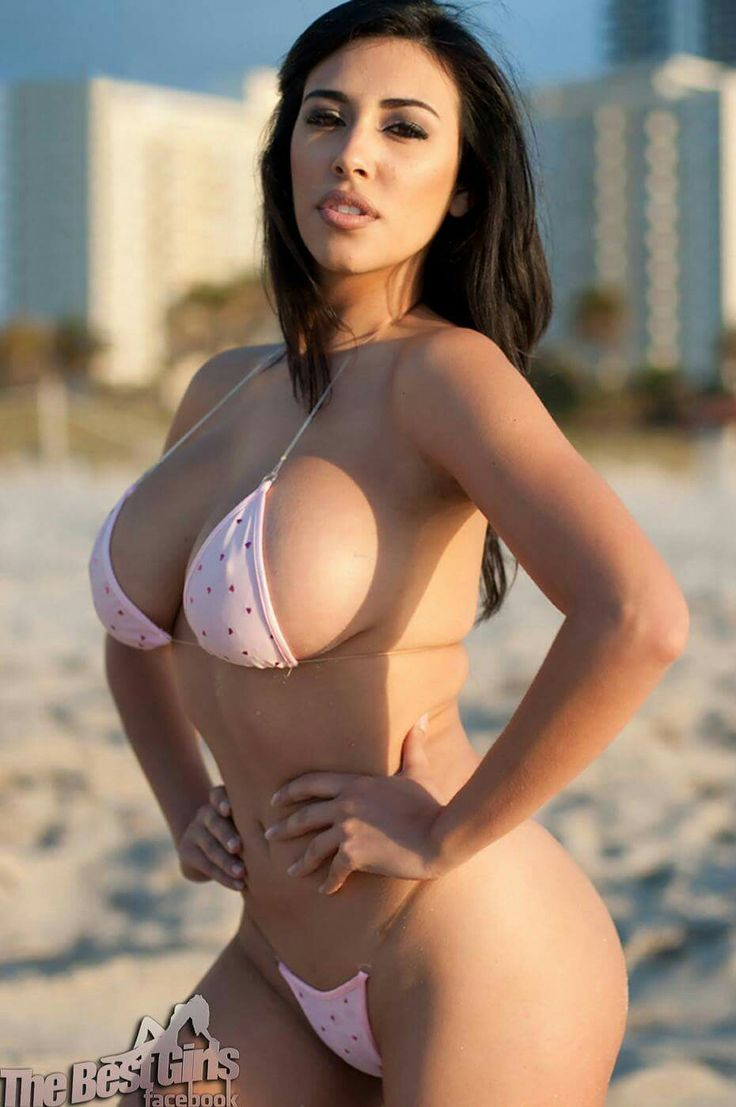 beautiful naked latina babes