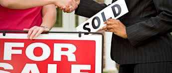 PRIVATE SALE OR AUCTION?  Selling your home via auction or private treaty is never an easy decision to make.  Here are some of the common reasons why sellers choose one method over the other http://cairnshomeloans.com.au/blog/private-sale-or-auction/
