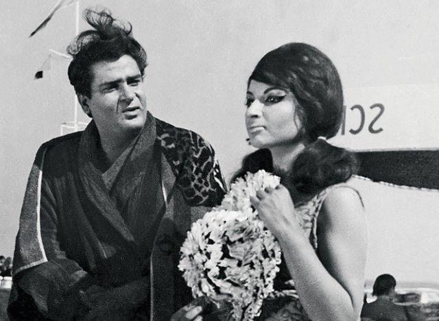Shammi Kapoor and Sharmila Tagore.