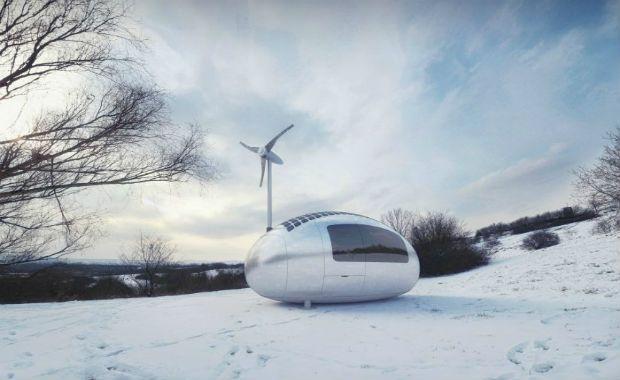 Ecocapsule - Yeni nesil karavan-Araç içerisinde tuvalet, duşakabin, mutfak, yatak, masa ve depo yer alıyor. Aracın duvarları araç içi ısısını istenilen düzeyde tutmaya yarayan özel bir izolasyon malzemesi ile kaplanmış.