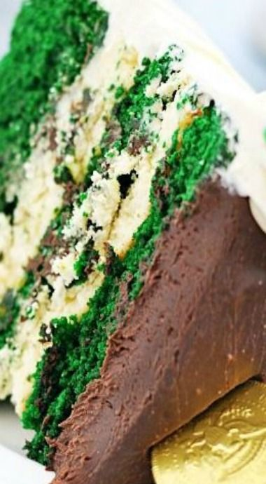 Green Velvet Cheesecake Cake | Recipe | Velvet, Cheesecake ...