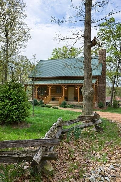Clayton Log Cabin was created to evoke the feel and look of historic log cabins created by early settlers. See gallery & plans. Read about it in a magazine.