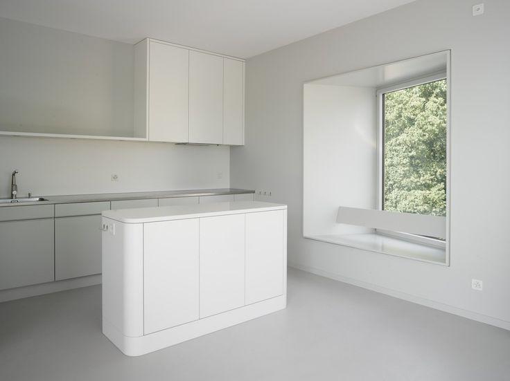 Küche Mit Erkerfenster Im Neuen Attikageschoss : Moderne Küchen Von André  Born Architekt BSA