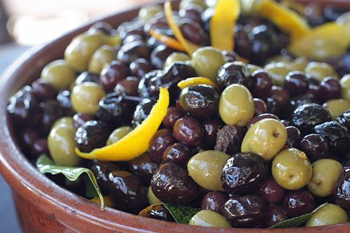 I may not be able to cook, but I can olives on a plate!