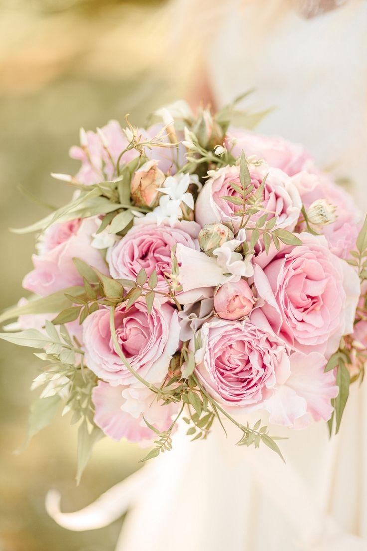 Florist: Amber Persia | Photography: Naomi Kenton