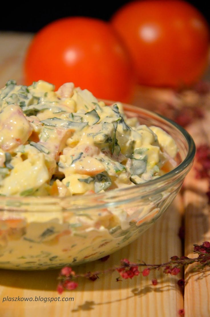 płaszkowo: Sałatka z jajek, pomidorów i rukoli