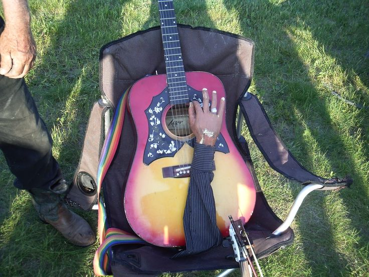 Guitar modified by Lorne Collie designed to play by itself!