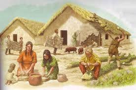 Omdat de boeren aan landbouw deden hoefden ze niet meer rond te trekken. Ze hadden grotere en stevigere huizen.