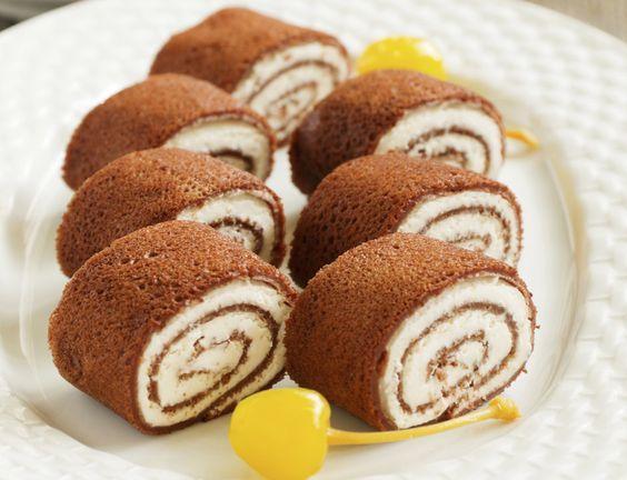 Egy finom Kakaós palacsinta kókuszos túrókrémmel  ebédre vagy vacsorára? Kakaós palacsinta kókuszos túrókrémmel  Receptek a Mindmegette.hu Recept gyűjteményében!