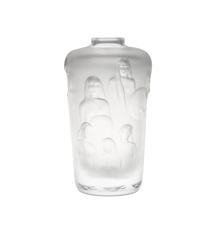 ** Gunnel Gustafsson (Nyman) 1909-1948 A VASE. Wise virgins. Signed G. Gustavson, Th. (Theodor) Käppi Oy Riihimäki -47. Turned mould clear glass, engraved and sandblasted. Height 29,5 cm. [15000]