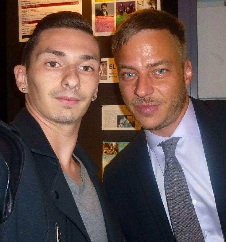 Tom Wlaschiha Fanpage FB : Photo Tom Wlaschiha with a fan