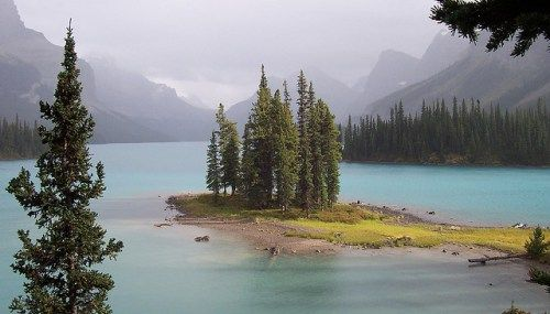 See the Best of Alberta in a One-Week Road Trip