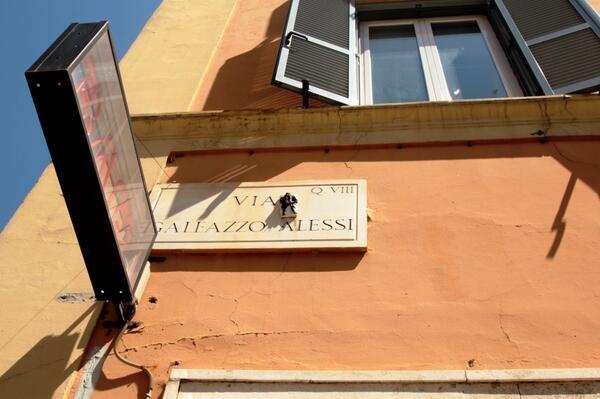 """""""L'ascesa"""" (Torpignattara, Roma). 1° riScatto Urbano di Patrizia Piras. Saranno conteggiati i Rt al seguente tweet: https://twitter.com/patrizia_piras/status/483501594592677890"""