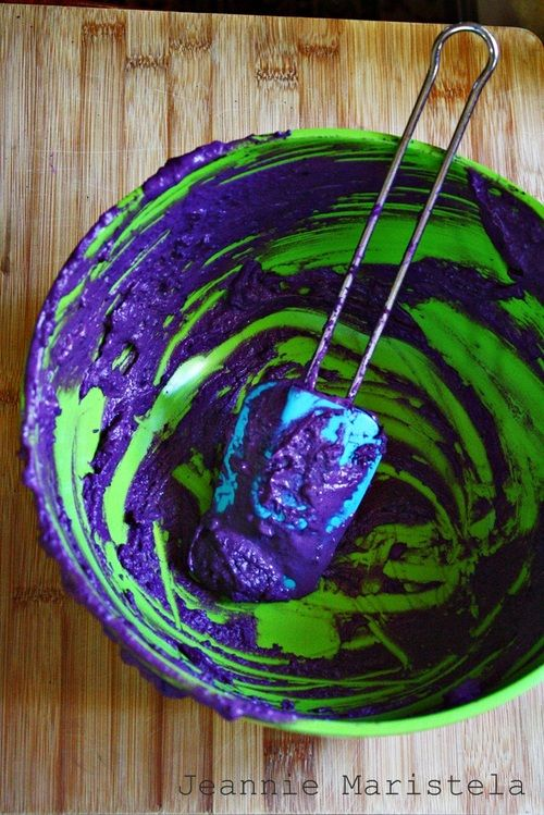 This looks so delicious and colorful! (Recipe for Purple Yam Fudge)