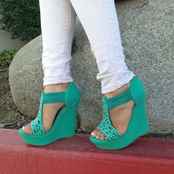 Womens summer shoes 2013-2014|Re-pinned by www.borabound.com