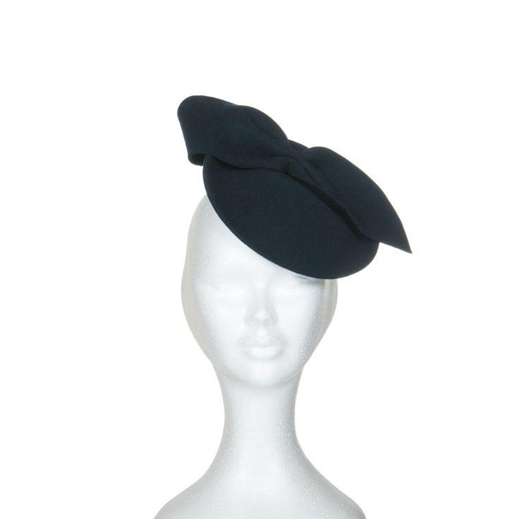 les 25 meilleures id es de la cat gorie chapeau bibi sur pinterest chapeaux de mariage et. Black Bedroom Furniture Sets. Home Design Ideas