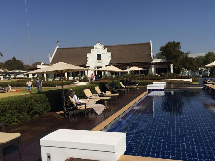... Or just enjoy the event from our poolside #RobertsonWineFest pic.twitter.com/9uZKV5MfXg