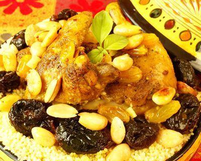 Tajine au poulet, pruneaux et amandes