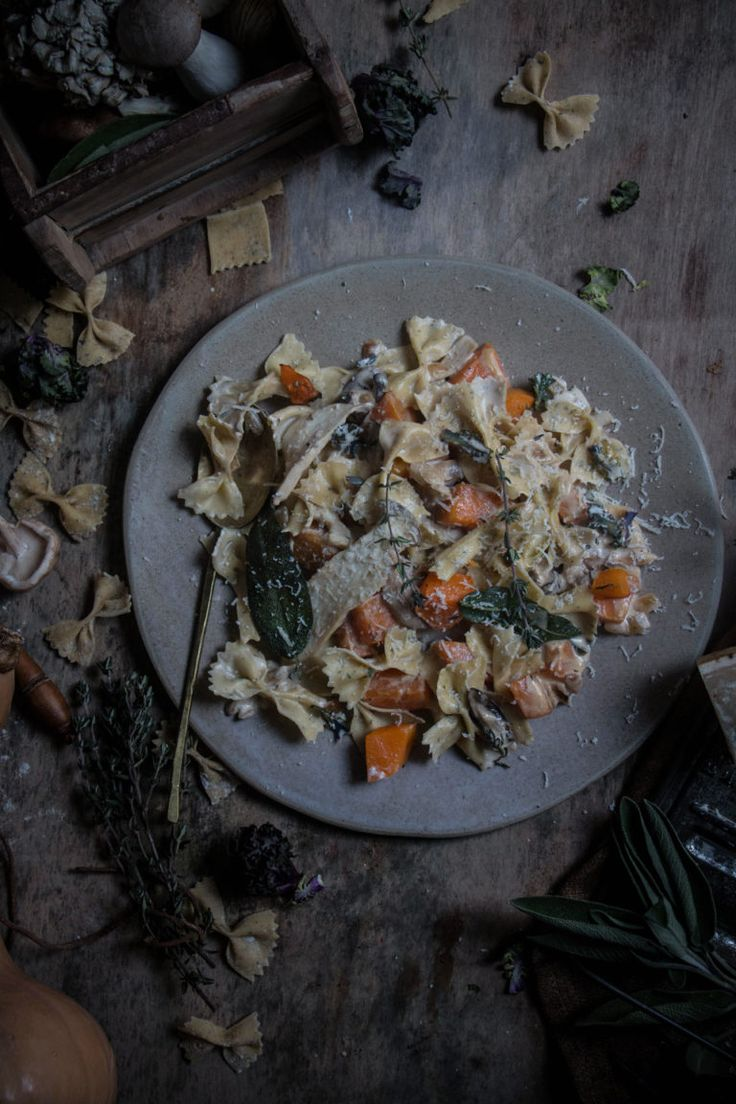 herby farfelle with squash and mushrooms