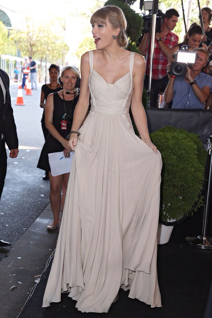Best 25+ Taylor swift costume ideas on Pinterest | Taylor swift ...