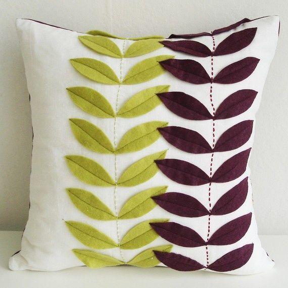 Ideas para decorar tus cojines con fieltro - http://ini.es/1f8LtHI