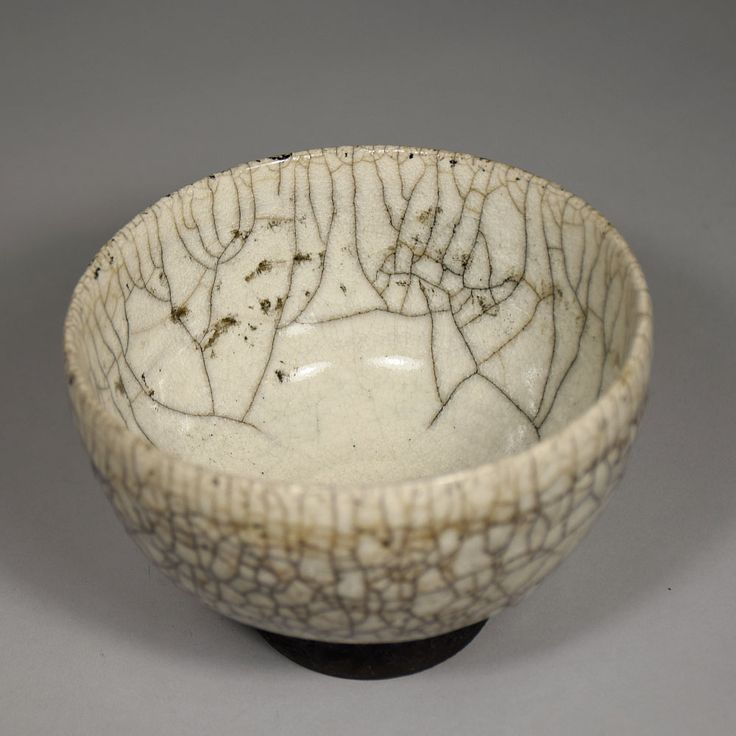 Anne Junsjö - Sweden. Anne has a very distinct Swedish raku style, the texture in the glaze reminds me of tree branches in the snow.