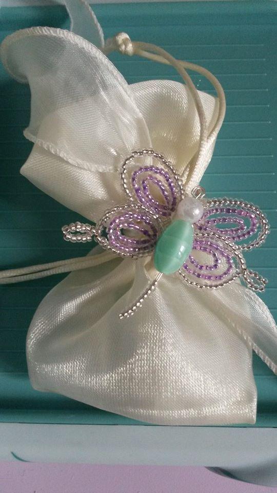 Bomboniera/ Spilla farfalla realizzata con perline