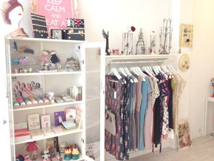 Decoracion vintage para tienda de ropa buscar con google - Boutique deco vintage en ligne ...